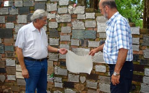Homenaje a Médicos fallecidos en su día